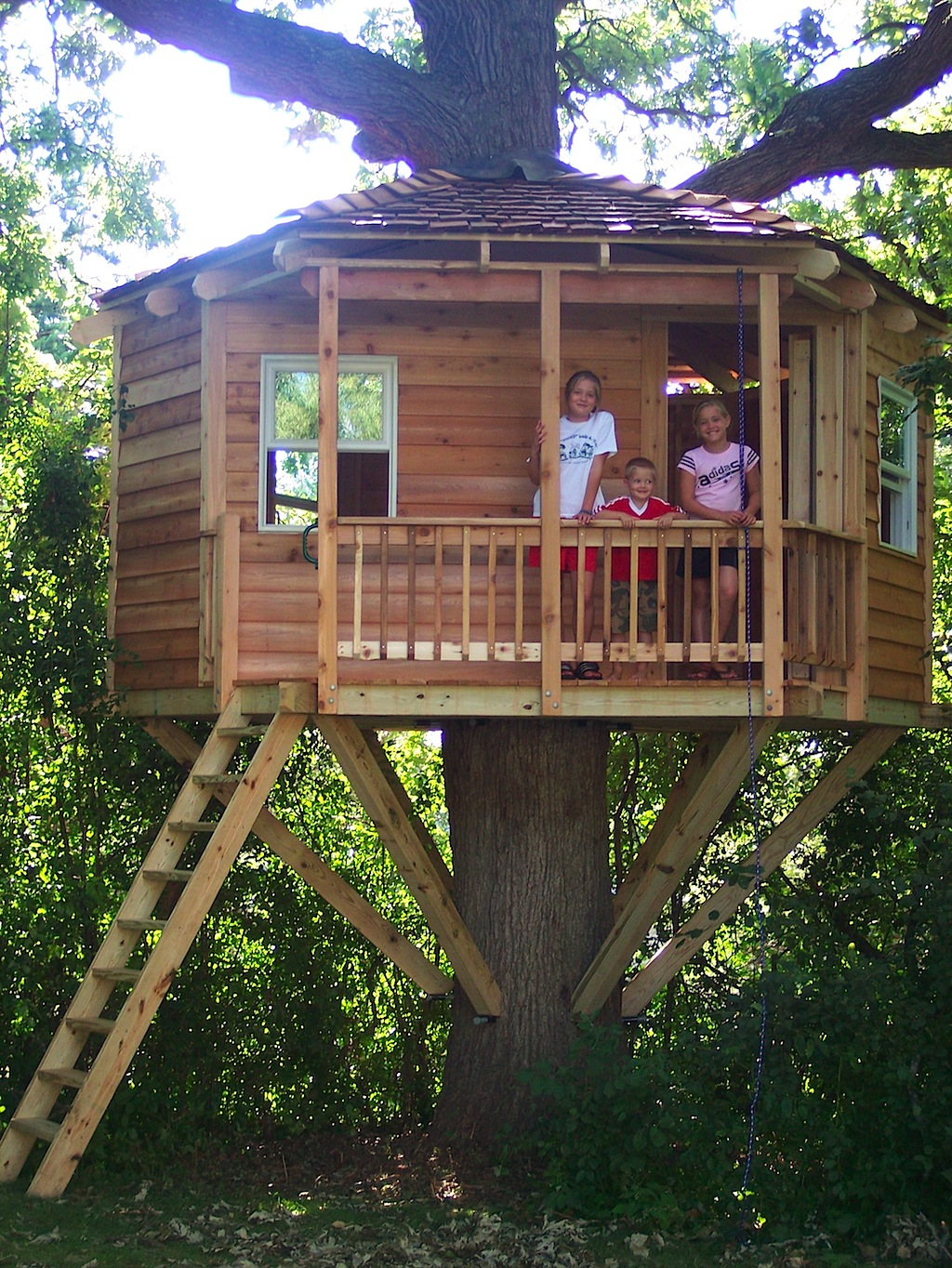Corbin 39 s treehouse treehouses for Tree playhouse plans